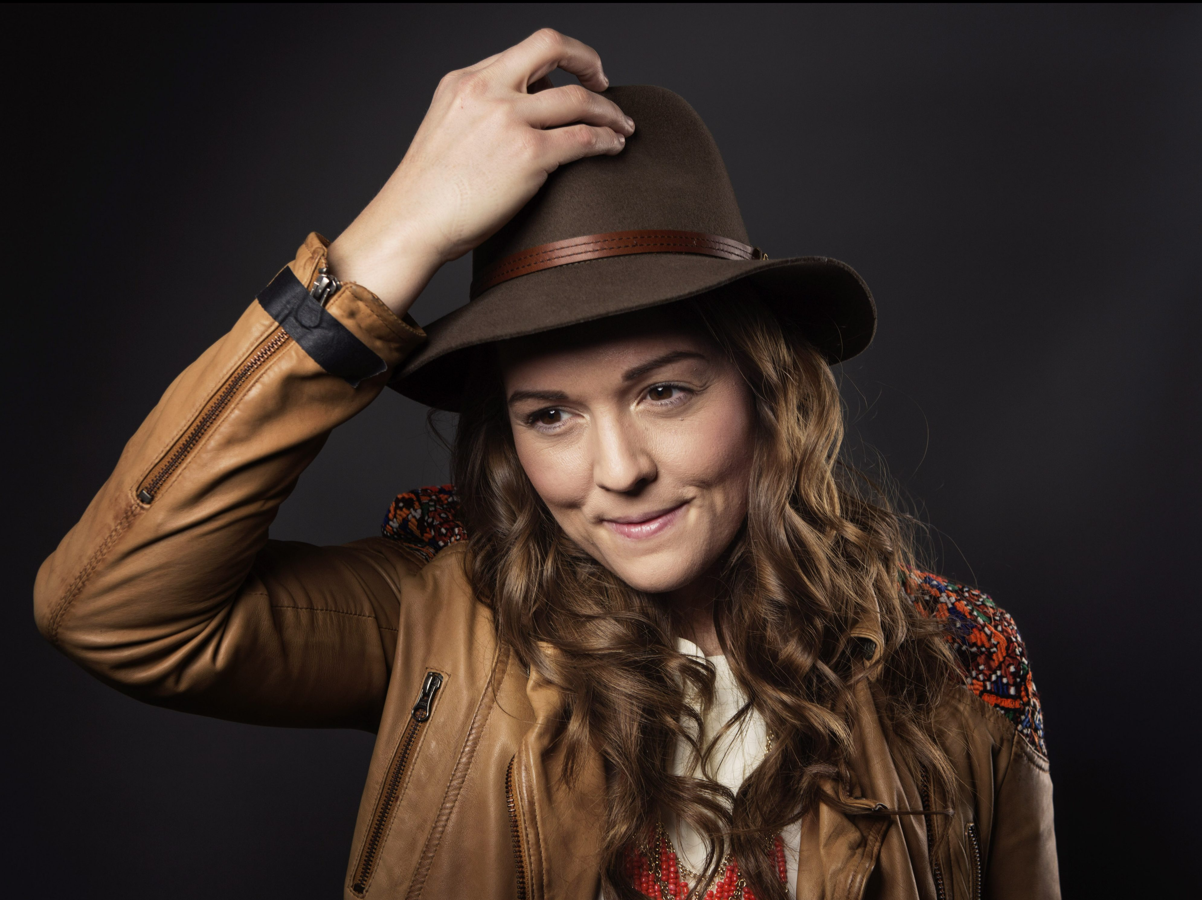 """In this March 12, 2015 photo, singer-songwriter Brandi Carlile poses for a portrait to promote her album """"The Firewatcher's Daughter"""" in New York. (Photo by Taylor Jewell/Invision/AP)"""
